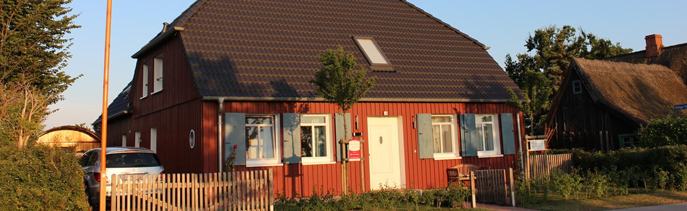 Kapitänshaus Ahrenshoop kapitänshaus ahrenshoop ostsee ferienhaus ferienwohnung mieten